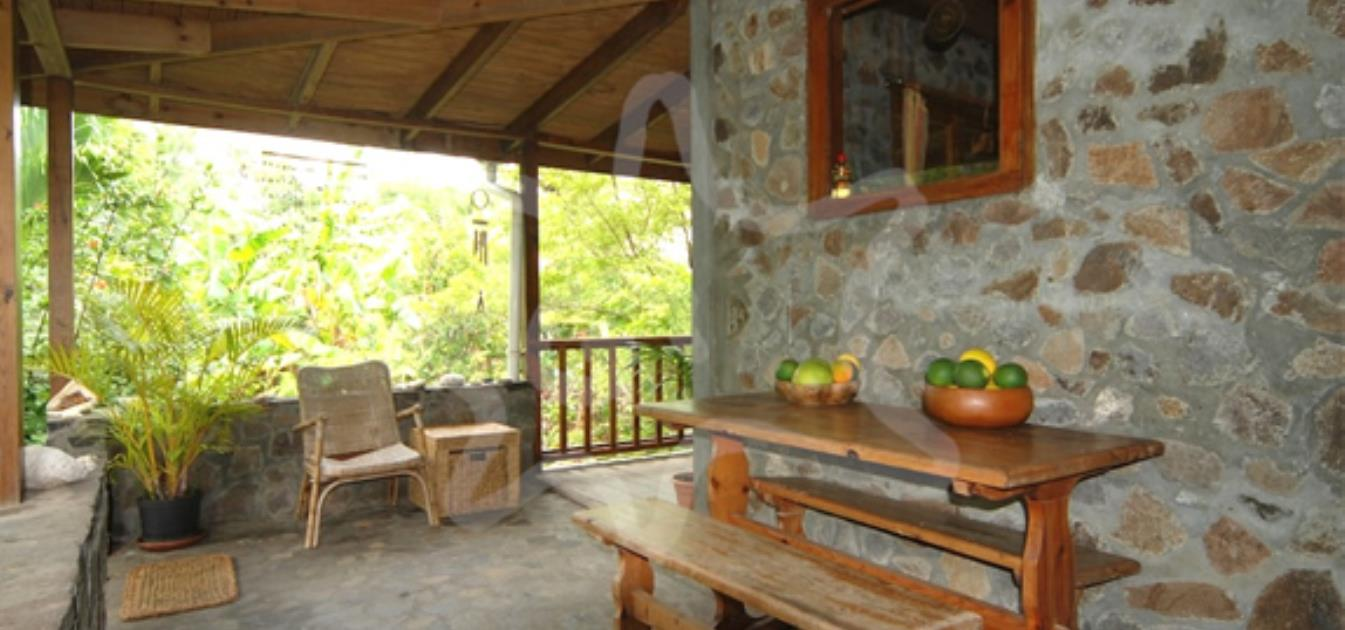 vacation-rentals/st-vincent-and-the-grenadines/bequia/spring/spring-cottage