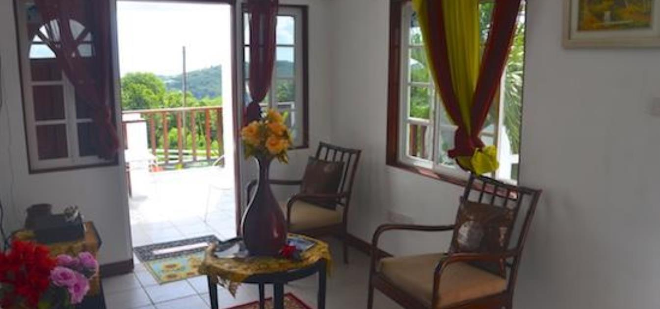 vacation-rentals/st-vincent-and-the-grenadines/bequia/port-elizabeth/cinnamon-houze