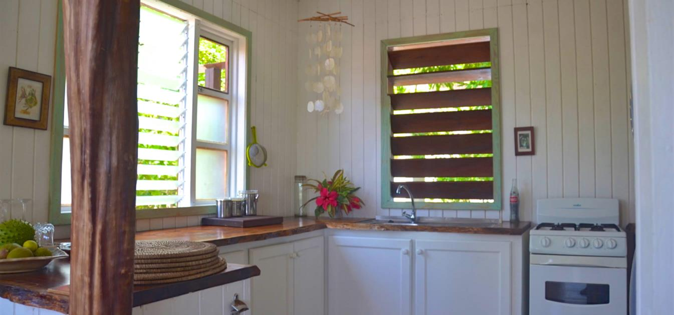 vacation-rentals/st-vincent-and-the-grenadines/bequia/lower-bay/bob's-place-beach-house