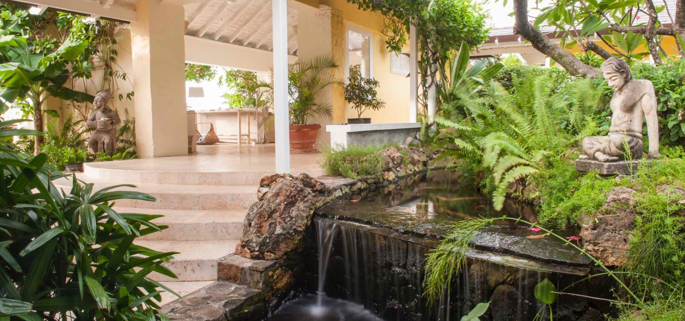 vacation-rentals/st-vincent-and-the-grenadines/mustique/mustique/cactus-hill-mustique