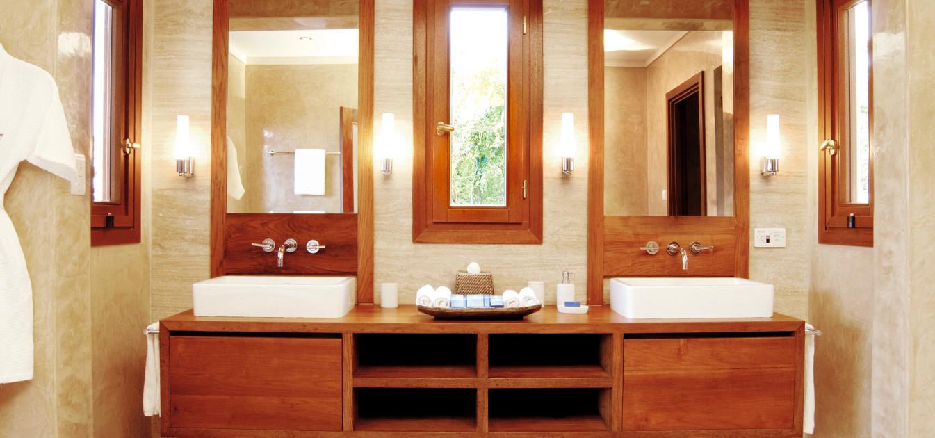 vacation-rentals/st-vincent-and-the-grenadines/canouan/canouan/big-blue-ocean-5-bed-morpiceax-villa