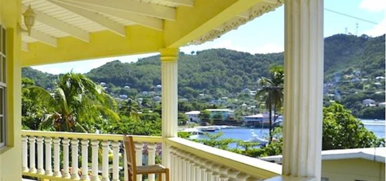 vacation-rentals/st-vincent-and-the-grenadines/bequia/hamilton/beach-view-villa