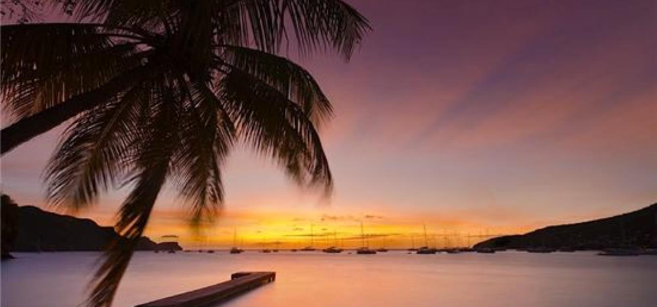 vacation-rentals/st-vincent-and-the-grenadines/bequia/hamilton/daffodils-boutique-bandb-waterfront-queen-room