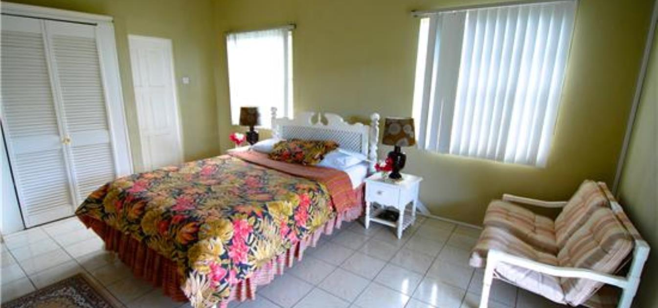 vacation-rentals/st-vincent-and-the-grenadines/bequia/friendship-bay/island-inn-apartments