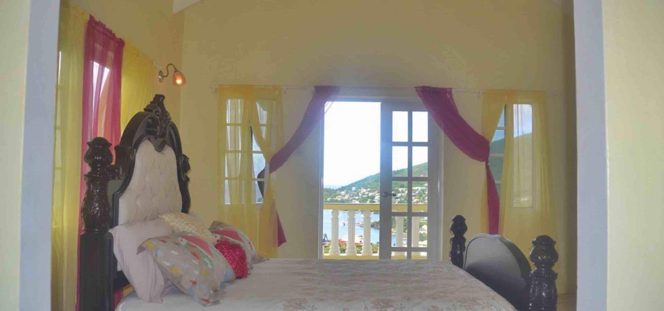 vacation-rentals/st-vincent-and-the-grenadines/bequia/port-elizabeth/la-buena-vista