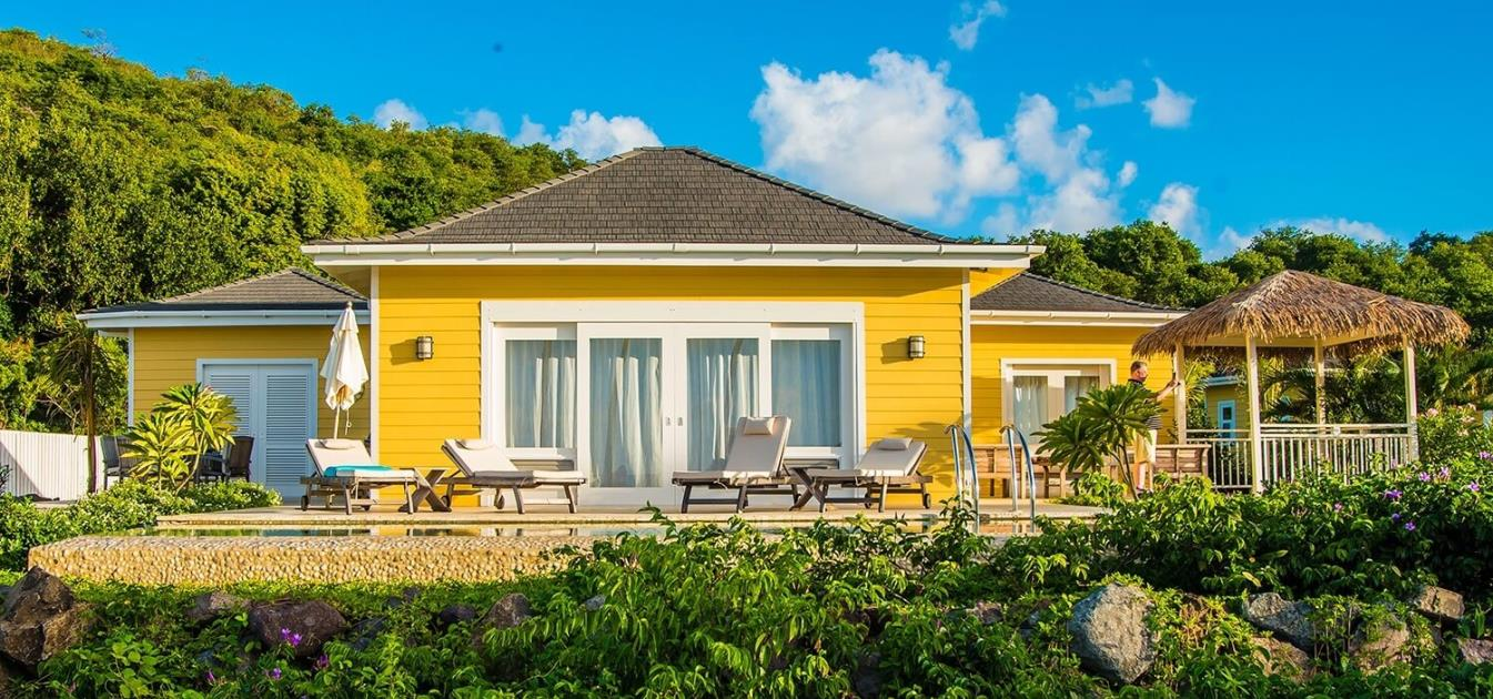 vacation-rentals/st-vincent-and-the-grenadines/bequia/adams-bay/the-liming-1-bed-beachfront-cottages