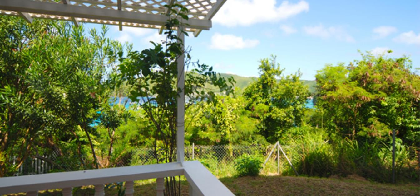 vacation-rentals/st-vincent-and-the-grenadines/bequia/lower-bay/sunset-studio