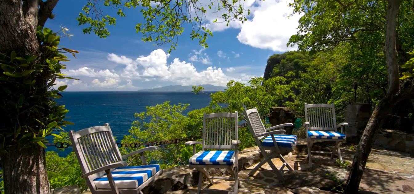 vacation-rentals/st-vincent-and-the-grenadines/bequia/moonhole/burke-house
