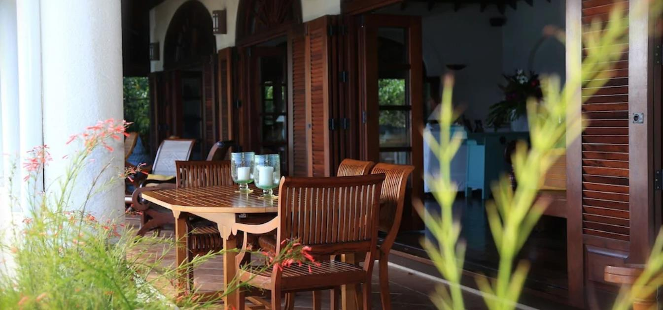 vacation-rentals/st-vincent-and-the-grenadines/bequia/hope-bay/sights-and-sounds