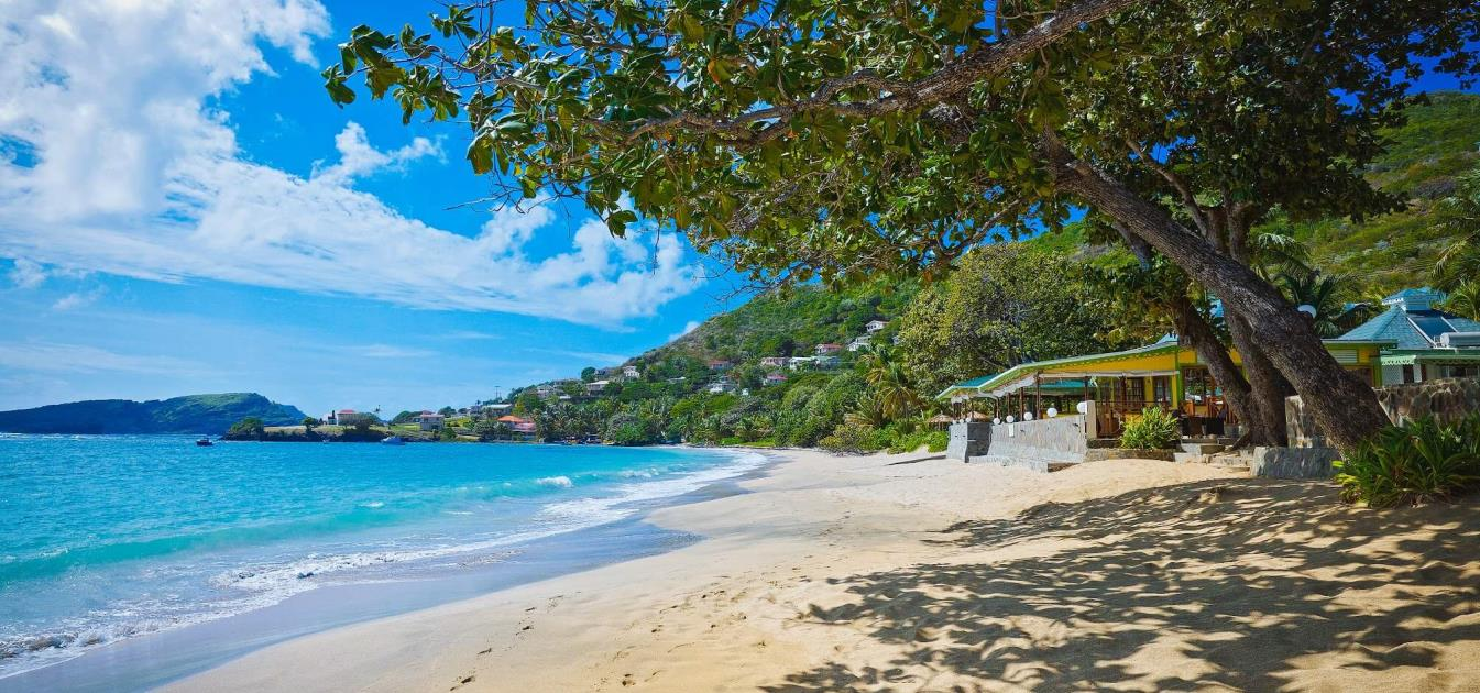 vacation-rentals/st-vincent-and-the-grenadines/bequia/friendship-bay/bequia-beach-hotel-private-villa-with-pool