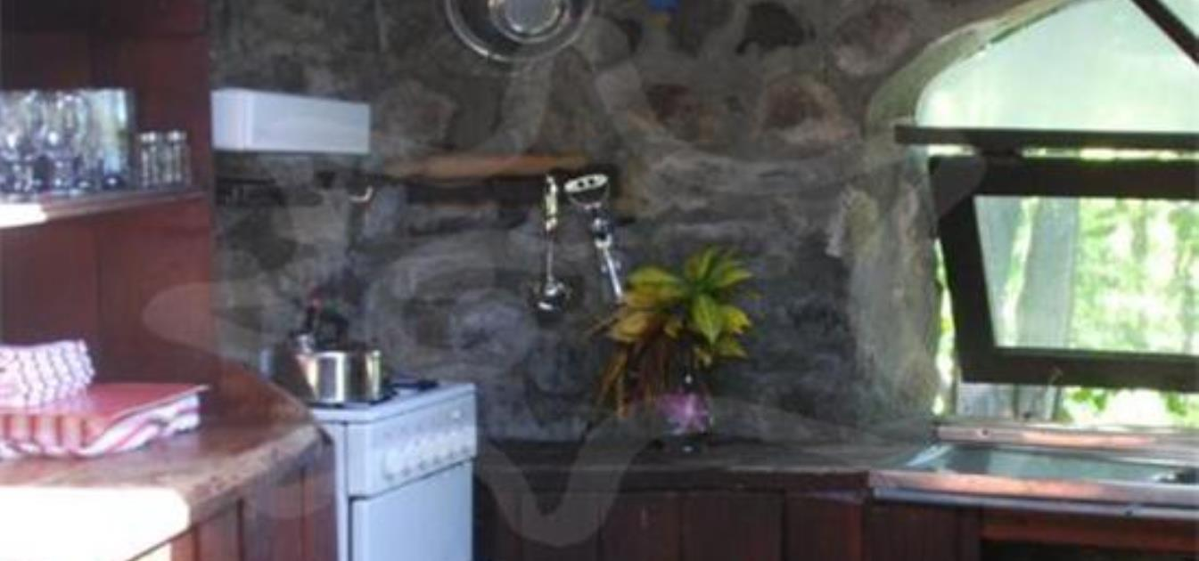 vacation-rentals/st-vincent-and-the-grenadines/bequia/moonhole/moonhole-waterfront-house