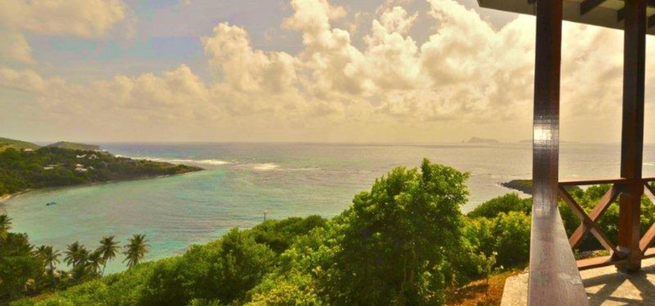 vacation-rentals/st-vincent-and-the-grenadines/bequia/crescent-bay/reef-house