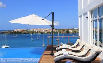Blue Point Beach Villa for 12