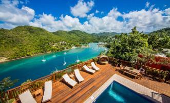 Villa On The Bay