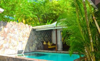 Stone House & Cottage - Bequia