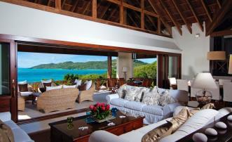 Big Blue Ocean - Luxury Beachfront Villa - Canouan - 5 Bedrooms Morpiceax Villa